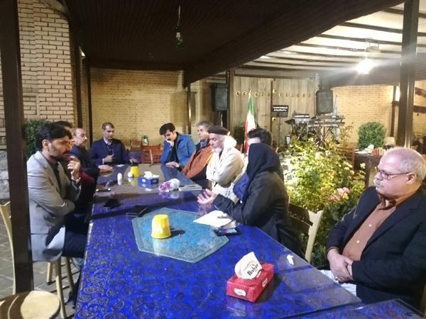 نشست هم اندیشی مجمع هنرمندان صنایع دستی کرمانشاه برگزار گردید