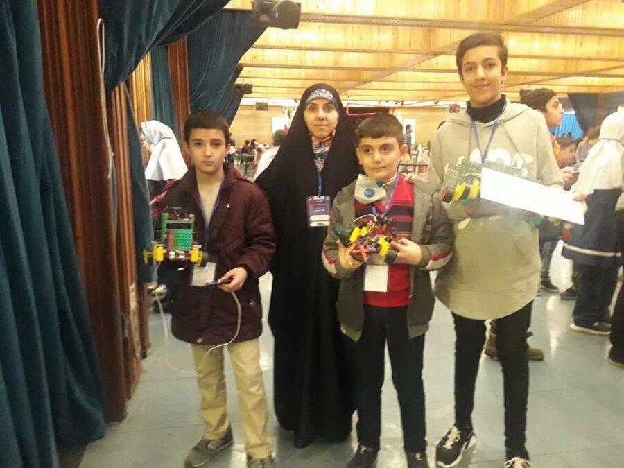 تیم رباتیک منطقه19 راهی مسابقات جهانی